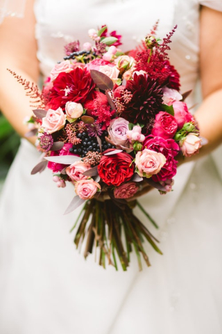 Bride with bouquet 6-19