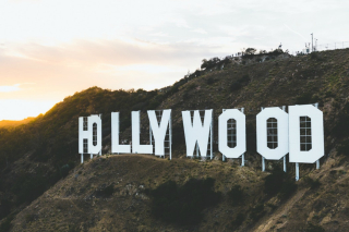Hollywood sign celebraties 9-18